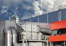Industriële staalairconditioning en ventilatie stock afbeeldingen