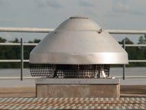 Industriële ventilatieventilator in de lucht stock foto