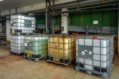 Industriële vloeibare tanks stock fotografie