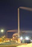 Industri på natten Arkivbilder