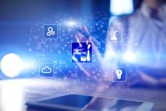 Industria astuta Innovazione di tecnologia e di industriale Concetto di automazione e di modernizzazione Internet IOT fotografia stock libera da diritti