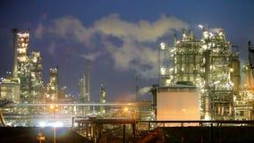 Industria de la refinería de petróleo almacen de video