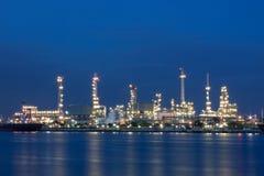 Industria de la refinería de petróleo Imágenes de archivo libres de regalías