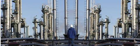 Industria de la refinería del trabajador del aceite y de petróleo Fotografía de archivo libre de regalías