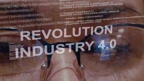 Industria 4 de la revoluci?n 0 textos en fondo del desarrollador de sexo femenino almacen de video