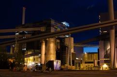 Industria de poder en la noche Fotos de archivo libres de regalías