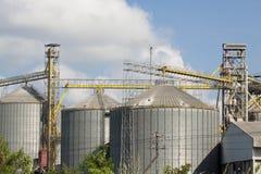 Industria del granaio di agricoltura del silo Fotografia Stock Libera da Diritti