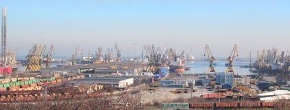 Industria del puerto de Constanta imágenes de archivo libres de regalías