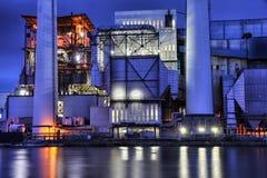 Industria en la noche fotografía de archivo libre de regalías