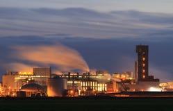 Industria en la noche Foto de archivo libre de regalías