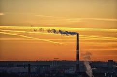Industria en la puesta del sol Foto de archivo libre de regalías
