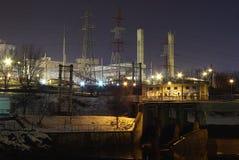 Industria entro la notte Fotografie Stock Libere da Diritti