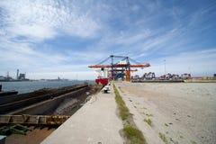 Industria nel porto di Rotterdam Immagini Stock Libere da Diritti