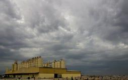 Industria nuvolosa Fotografia Stock