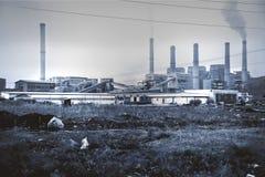 Industria pesada y ambiente. Imágenes de archivo libres de regalías