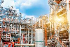 Industria refinería de petróleo, del petróleo y gas petroquímicos de la refinería, el equipo del refino de petróleo, primer de tu Fotos de archivo libres de regalías