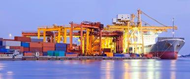 Industria terminal portuaria del panorama Imagenes de archivo