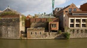 Industria urbana del canale del fiume della fabbrica Fotografie Stock
