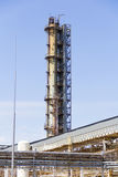 Industrial da torre da refinaria Imagem de Stock Royalty Free