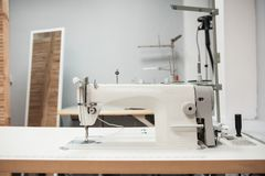 Free Industrial Sewing Machine Royalty Free Stock Photo - 152757975