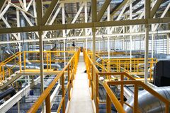 Free Industrial Walk Way With Yellow Handrail And Steel Structure Roof Inside Factory Royalty Free Stock Photos - 171176298