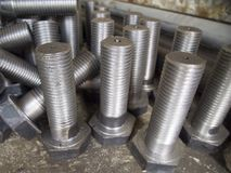 Industrias de acero del tornillo de la tuerca imagen de archivo libre de regalías