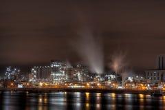 Industrie bij nacht Stock Afbeelding