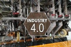Industrie 4 Das Wort der roten Farbe gelegen über Text der weißen Farbe Fabriklösung, Herstellungstechnolog Stockfotografie