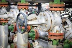 Industrie della raffinazione del petrolio e del gas, valvola per olio Fotografia Stock Libera da Diritti