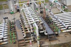 Industrie della raffinazione del petrolio e del gas, valvole per olio Fotografia Stock Libera da Diritti