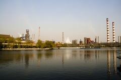 Industrie della riva del fiume Fotografia Stock