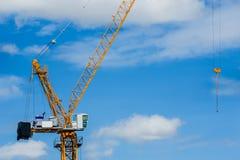 Industrie du b?timent, grue - machines de construction, b?timent - activit?, Burton sur Trent, mat?riel de construction images libres de droits