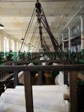 Industrie: historische katoenen molenweefgetouwen royalty-vrije stock foto's