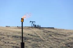 Industrie met gas van de Schoorsteenolie stock fotografie