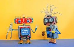 Industrie 4 0 Service-ReparaturWartungskonzept Roboterspielwaren des kreativen Designs, Silberzangenwerkzeuge des justierbaren Sc Stockbild