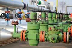 Industrie van olieraffinage en gas, klep voor olie Stock Foto