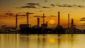 Industrieanlage der Raffinerie stockfotografie