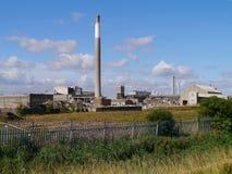 Industrieanlage, die abgebaut wird Stockfotos