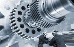 Industriearbeitskraft- und -gangmaschinerie Lizenzfreies Stockfoto