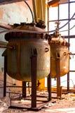 Industrieel binnenland met opslagtank Royalty-vrije Stock Afbeelding