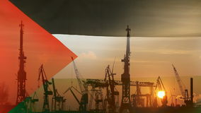 Industrieel concept met de vlag van Palestina bij zonsondergang stock video