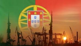 Industrieel concept met de vlag van Portugal bij zonsondergang stock footage