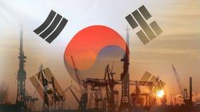 Industrieel concept met de vlag van Zuid-Korea bij zonsondergang stock footage