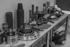 Industrieel draaibankhulpmiddel en hoge precisiecnc draaiende delen hoge precisie automobiel het machinaal bewerken vorm en matri Royalty-vrije Stock Afbeelding