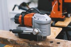 Industrieel hulpmiddel voor het werk in een woodshop - machinezaag royalty-vrije stock fotografie
