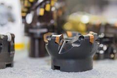 Industrieel malenhulpmiddel om metaal te snijden met het tussenvoegsel van de carbidesnijder royalty-vrije stock afbeelding