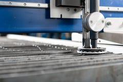 Industrieel plasma machinaal gesneden van metaalplaat Nieuw CNC Laserplasma Selectieve nadruk bij het knipsel van het laserplasma royalty-vrije stock foto