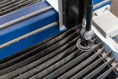 Industrieel plasma machinaal gesneden van metaalplaat Nieuw CNC Laserplasma Selectieve nadruk bij het knipsel van het laserplasma royalty-vrije stock afbeelding