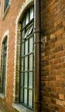 Industrieel venster stock afbeeldingen
