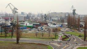 Industriegebiet der Werft in Gdansk stock video footage